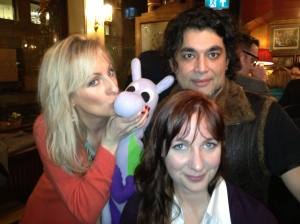 L-R Fiona Laird (@FionaLaird), Puffles, Foxy & Alex Andreou (@SturdyAlex) at a pub around the corner from where I used to live in London