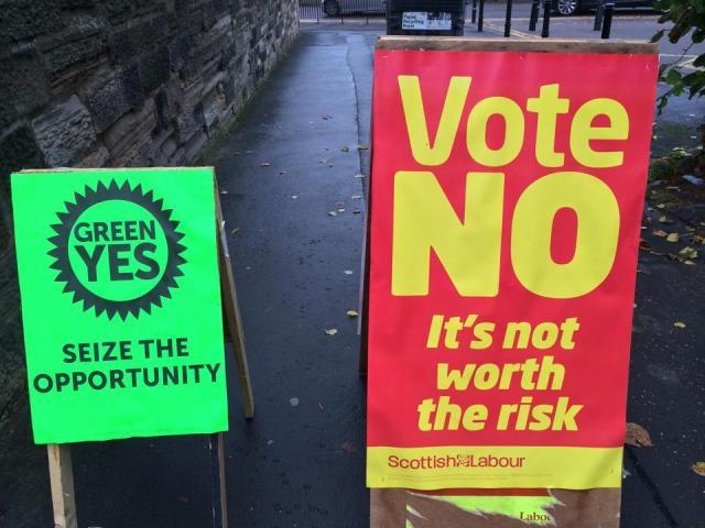 Contrasting hope vs fear? Pic via @ElisabethJane