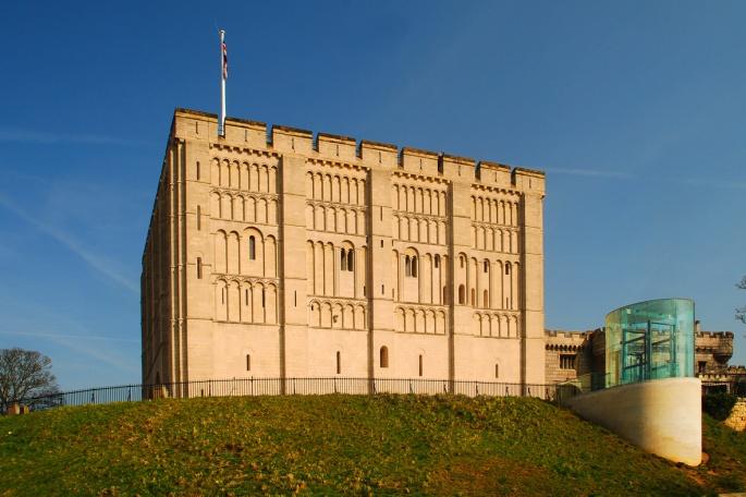norwich_castle_keep2c_2009